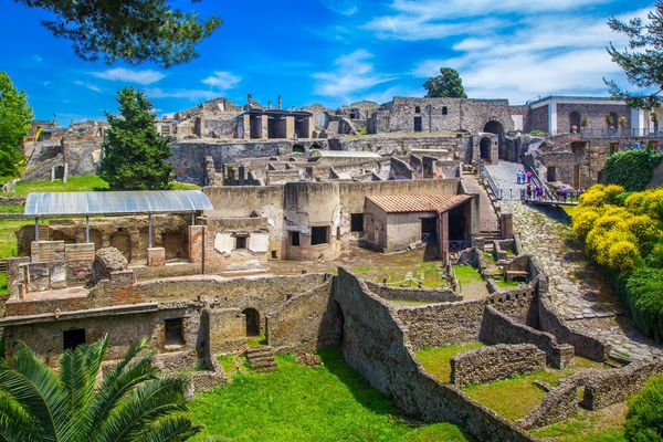 Shutterstock 1033620628 Pompeii Under 10Mg